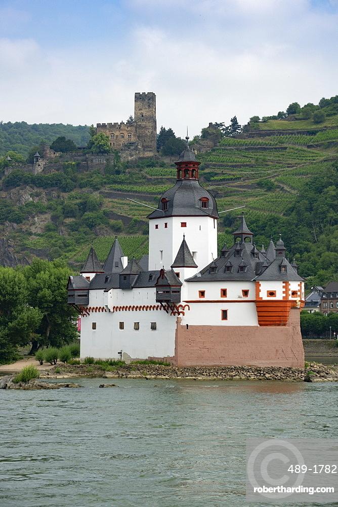 Pfalzgrafenstein Castle, Gutenfels Castle in background, near Kaub, River Rhine, Germany, Europe