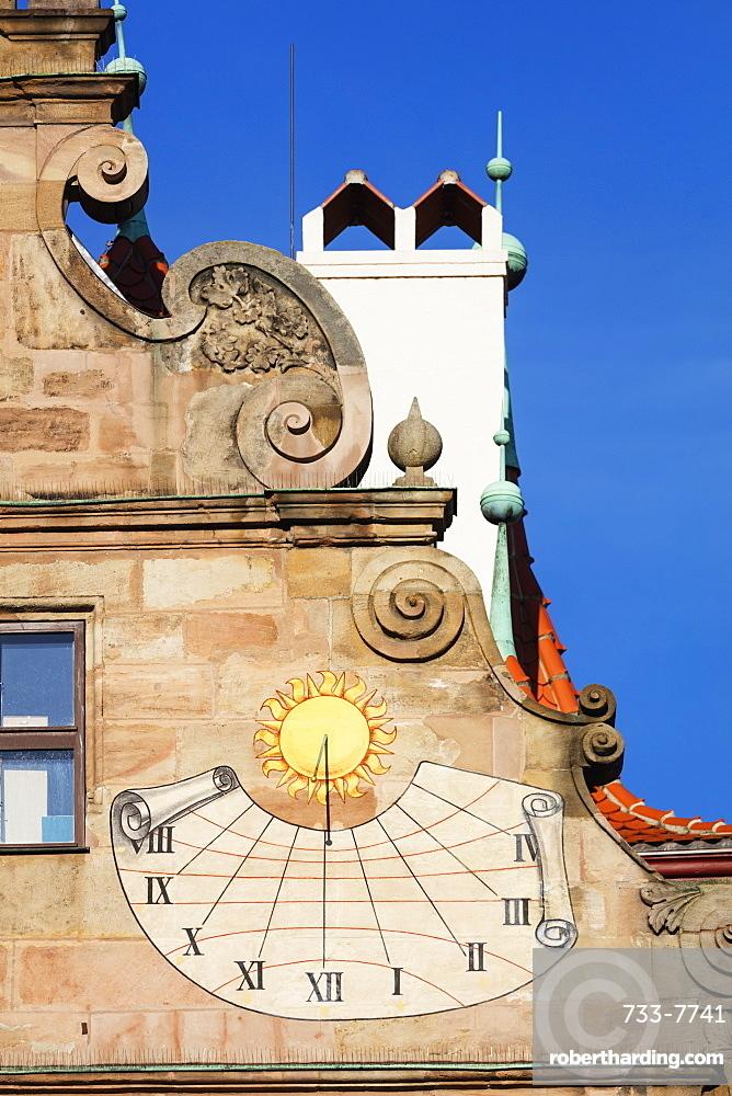 Sundial, Nuremberg (Nurnberg), Franconia, Bavaria, Germany, Europe