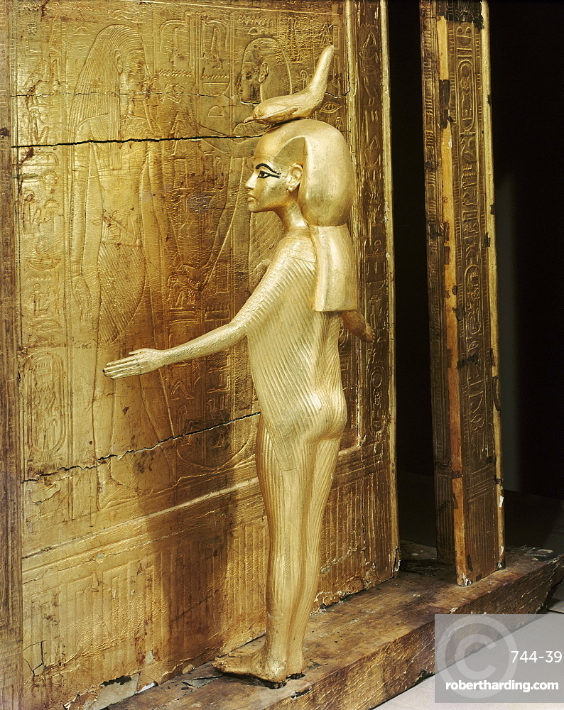 Statue of the goddess Serket protecting the canopic chest or shrine, from the tomb of the pharaoh Tutankhamun, discovered in the Valley of the Kings, Thebes, Egypt, North Africa, Africa