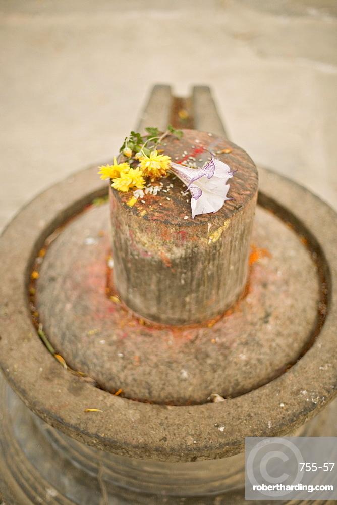 Stone Shiva lingam, an erotic | Stock Photo