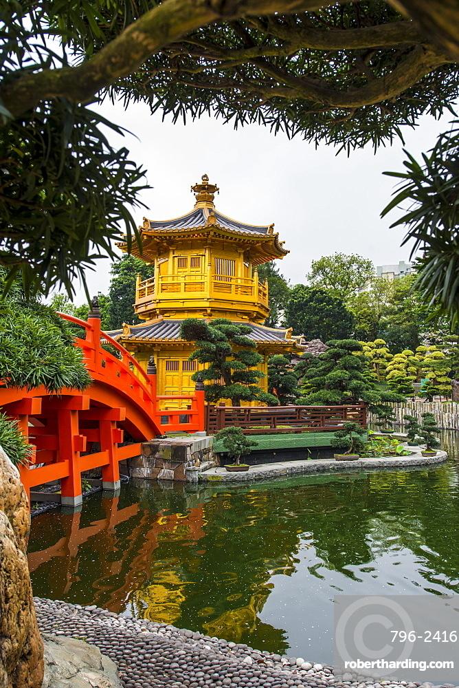 The pagoda at the Chi Lin Nunnery and Nan Lian Garden, Kowloon, Hong Kong, China, Asia