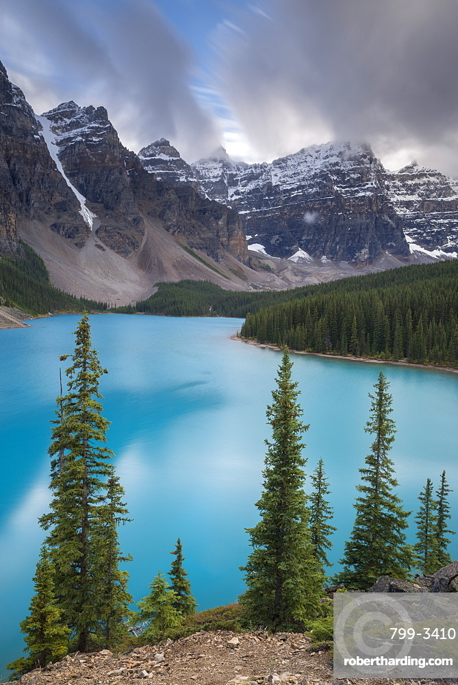 Beautiful turquoise water of Moraine Lake in the Canadian Rockies, Banff National Park, UNESCO World Heritage Site, Alberta, Canada, North America