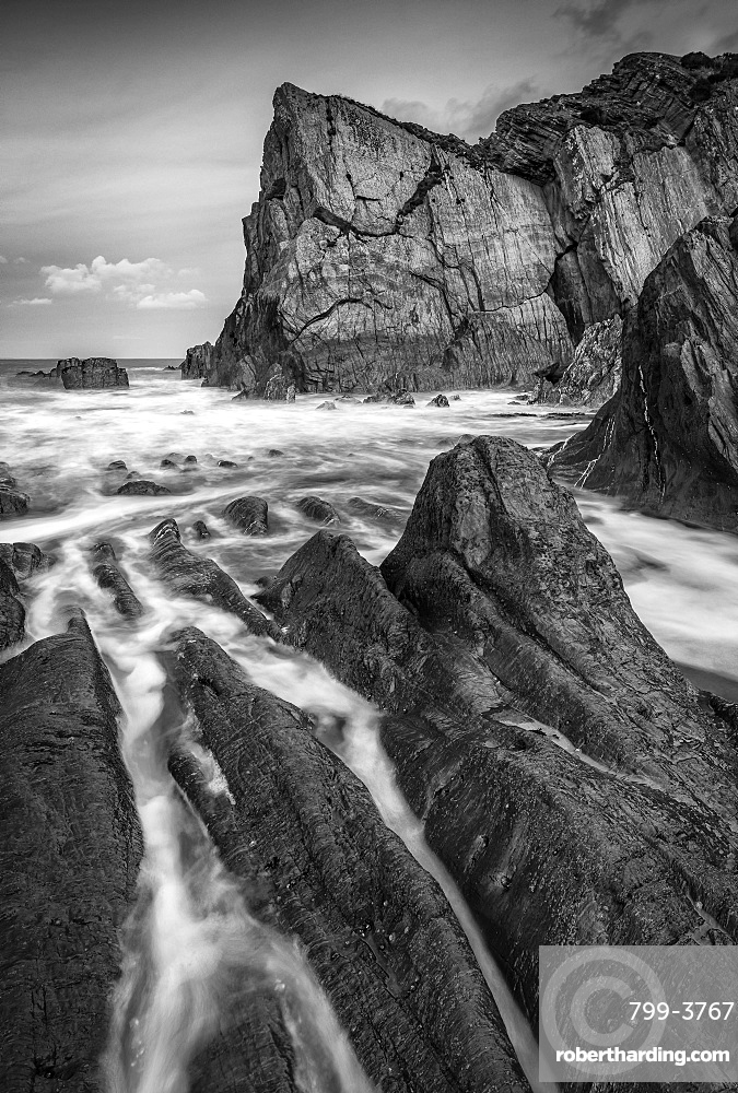 Secluded rocky cove on the North Devon coast in winter, Devon, England, United Kingdom, Europe