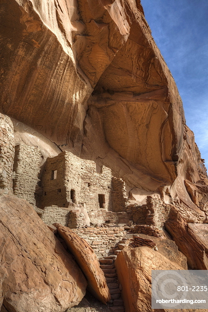 River House Ruin, Ancestral Puebloan Cliff Dwelling, 900-1300 AD, Shash Jaa National Monument, Utah, USA