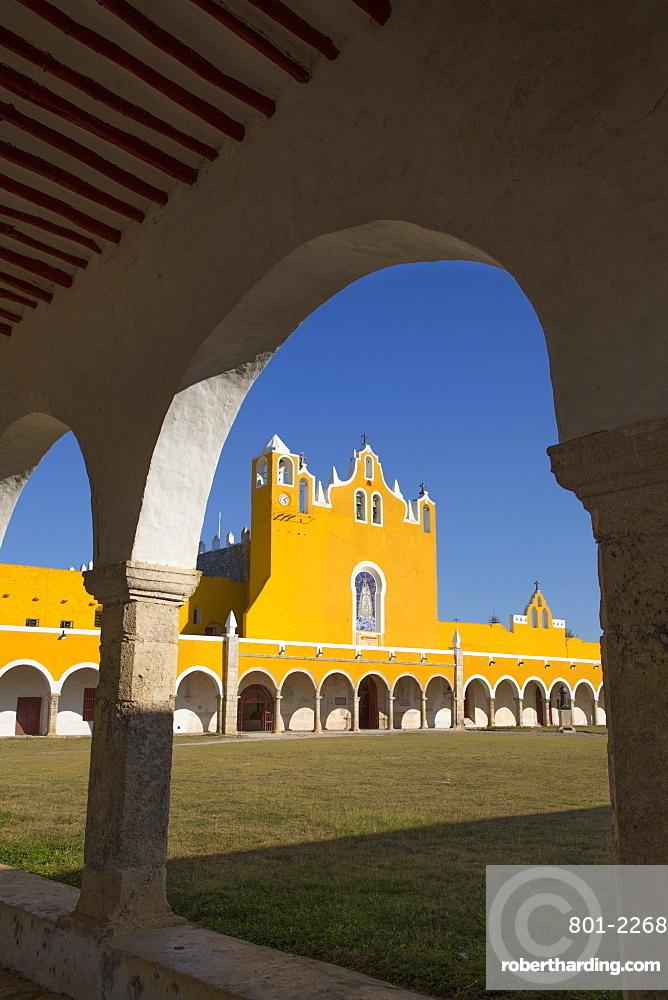 Convent of San Antonio de Padua, completed 1561, Izamal, Yucatan, Mexico, North America