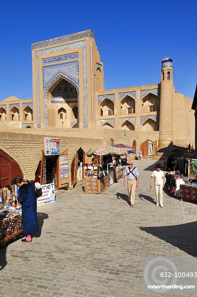 Allaquli Khan Madrassah, historic adobe town of Khiva, Chiva, Ichan Kala, Silk Road, Unesco World Heritage Site, Uzbekistan, Central Asia