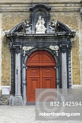 Church door, Small beguinage Onze-Lieve-Vrouw ter Hoye, Petit beguinage Notre-Dame de Hoye, Unesco World Heritage Site, Gent, Belgium, Europe