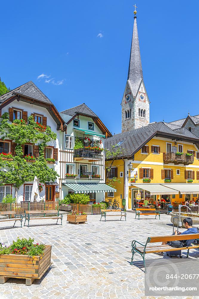 View of Marktplatz in Hallstatt village, Salzkammergut region of the Alps, Salzburg, Austria, Europe