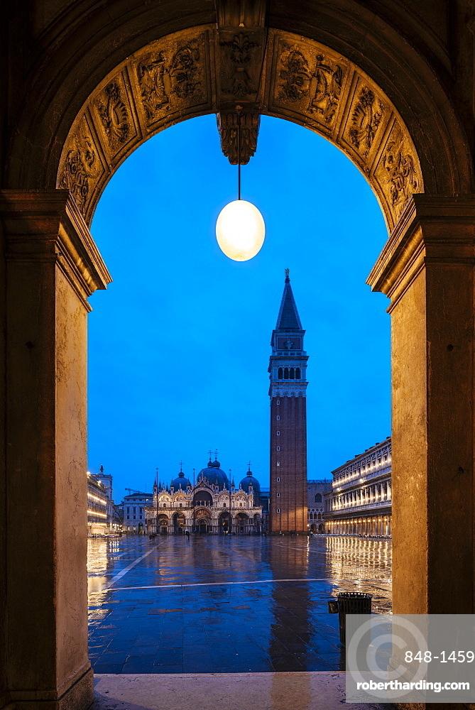 St. Mark's Square and St. Mark's Basilica, Piazza San Marco and Basilica di San Marco, Venice, UNESCO World Heritage Site, Veneto Province, Italy, Europe