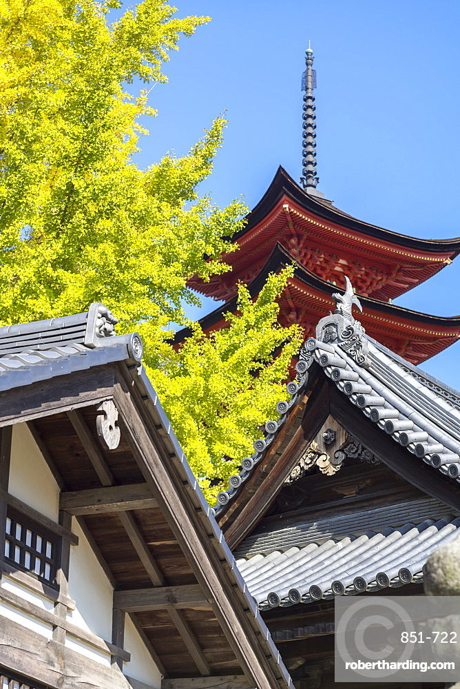 Senjokaku five-storey pagoda on Miyajima island, Itsukushima, UNESCO World Heritage Site, Hiroshima Prefecture, Honshu, Japan, Asia