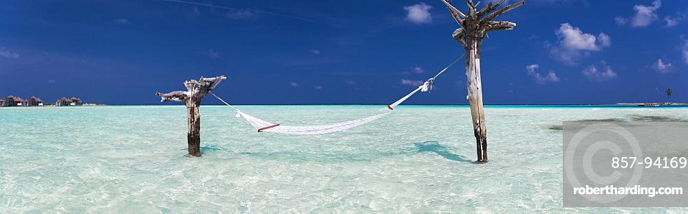 Hammock hanging above sea atGiliLankanfushiisland
