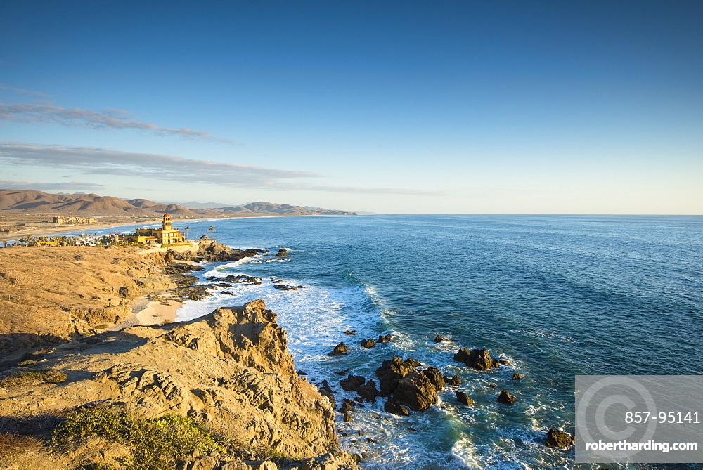 Scenic view of coastline with horizon over sea, Los Cerritos, Baja California Sur, Mexico