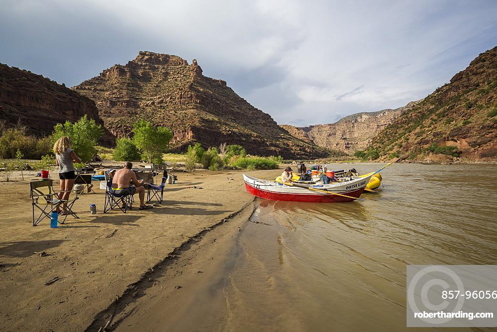 Camp on a Green river rafting trip, Desolation/Gray Canyon section, Utah, USA