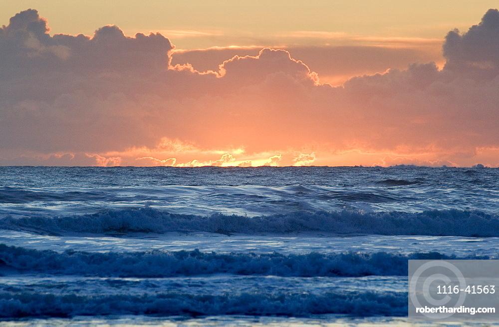 Sunset, Chesterman Beach, Tofino, Vancouver Island, Bc
