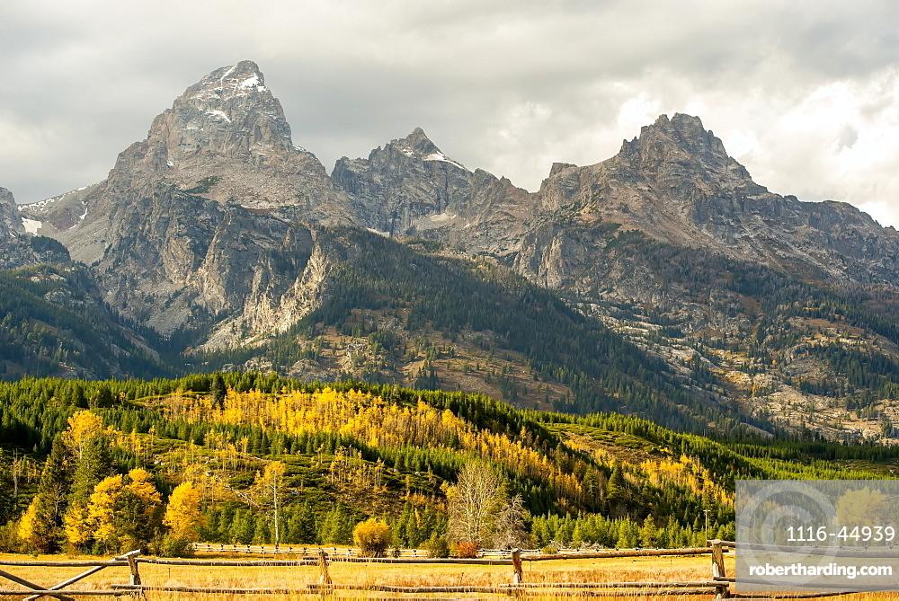 Grand Teton Range In Autumn, Grand Teton National Park, Wyoming, United States Of America