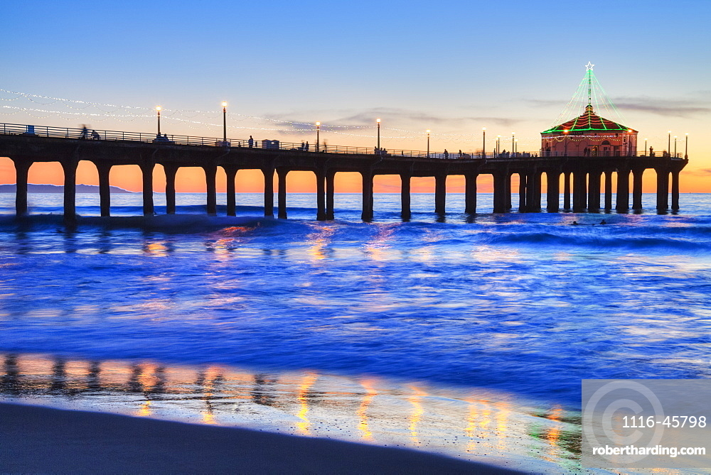 Manhattan Beach Pier At Sunset, Completed In 1920, Roundhouse Marine Studies Lab And Aquarium (Octagonal Building, End Of Pier), Manhattan Beach, California, United States Of America