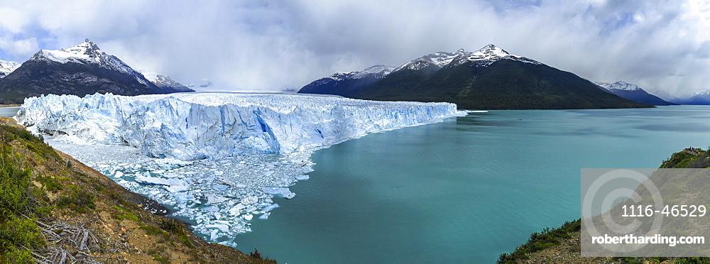 Perito Moreno Glacier Off The South Patagonian Ice Field, Los Glaciares National Park, Santa Cruz Province, Argentina