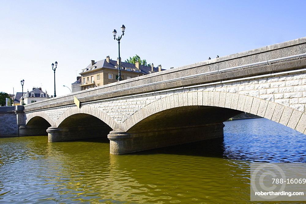 Bridge over a river, Sarthe River, Pont Yssoir, Le Mans, Sarthe, France