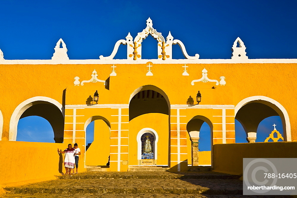 Facade of a church, Convento De San Antonio De Padua, Izamal, Yucatan, Mexico