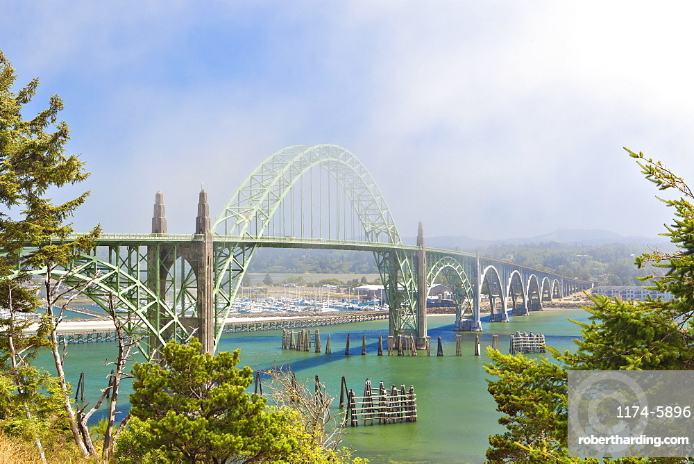 Yaquina Bay Bridge, Newport, Oregon, United States, Newport, Oregon, USA