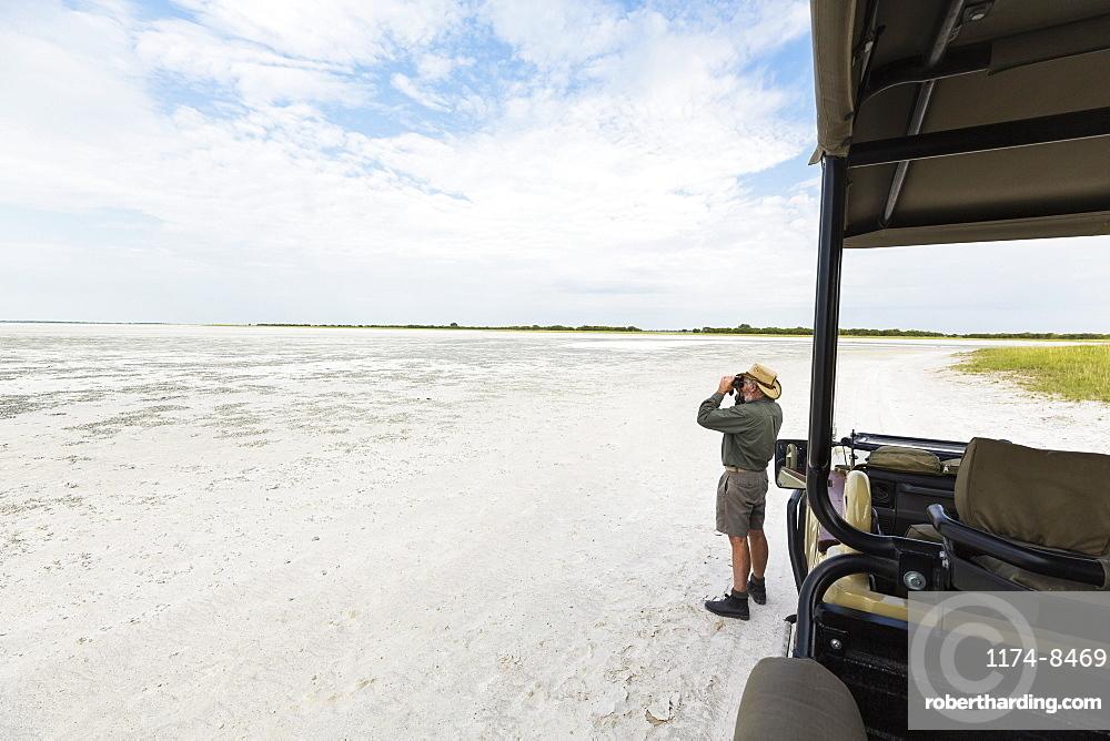 safari guide, Nxai Pan, Botswana