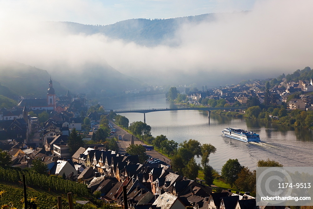 Zell, Mosel River Valley with morning mist clearing, Rhineland-Palatinate, Germany