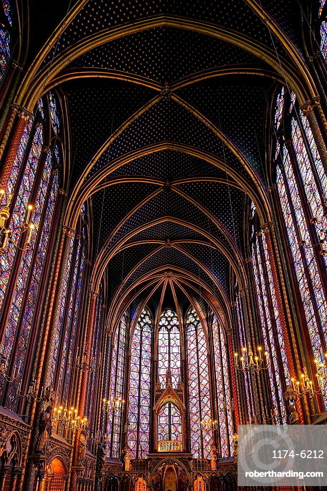 Arched roof of ornate St Chappelle cathedral, Paris, Ile-de-France, France