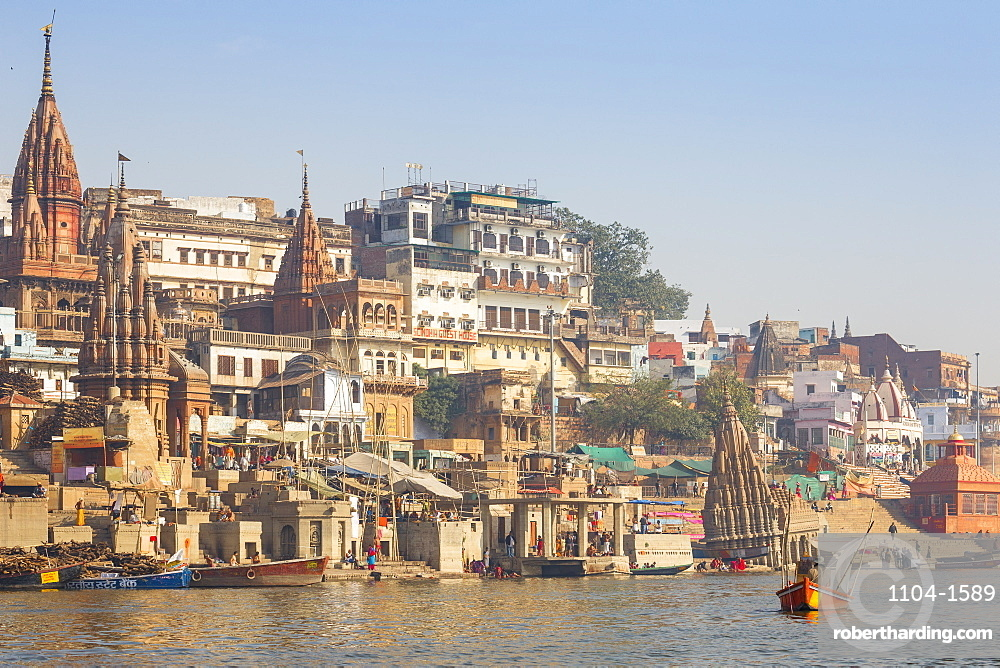 India, Uttar Pradesh, Varanasi, Sindhia Ghat, Submerged Shiva temple