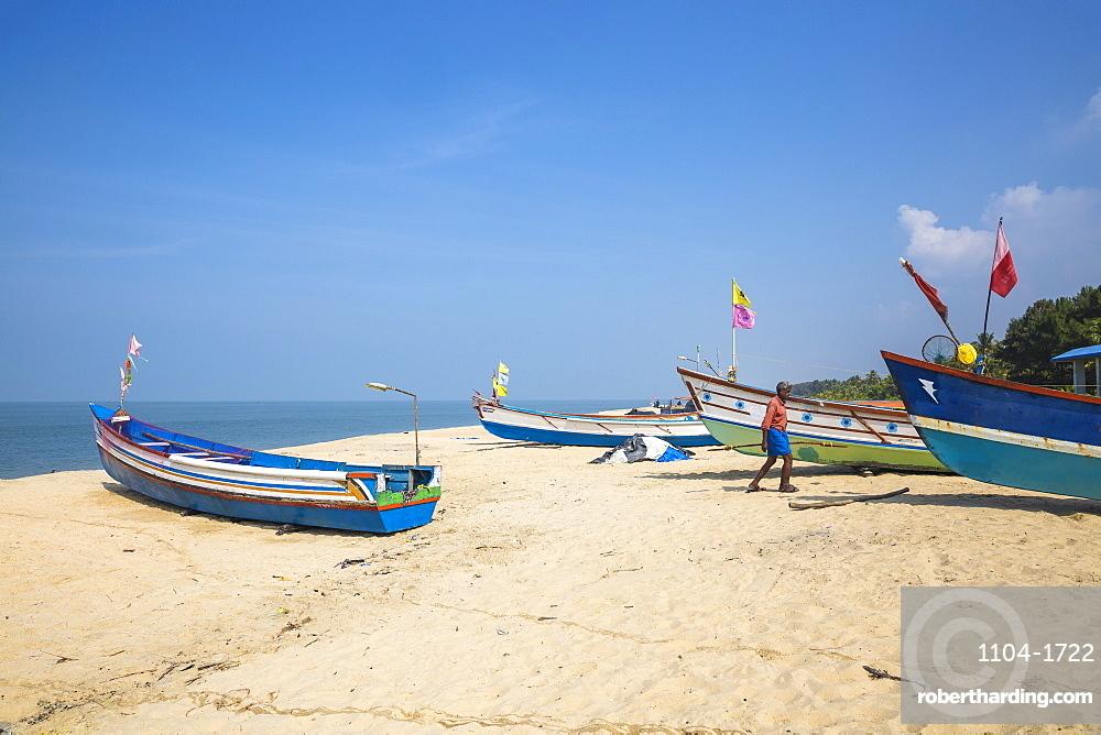 Fishing boats, Marari Beach, Alleppey (Alappuzha), Kerala, India, Asia