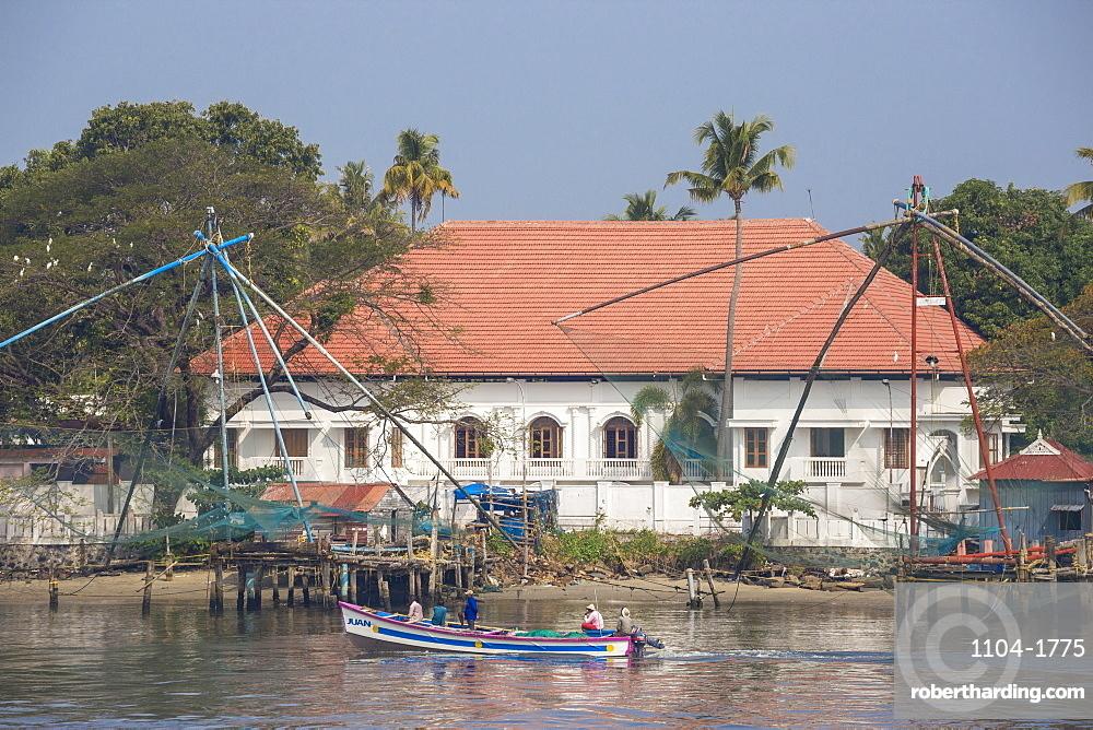 India, Kerala, Cochin - Kochi, Fort Kochi, Chinese fishing nets