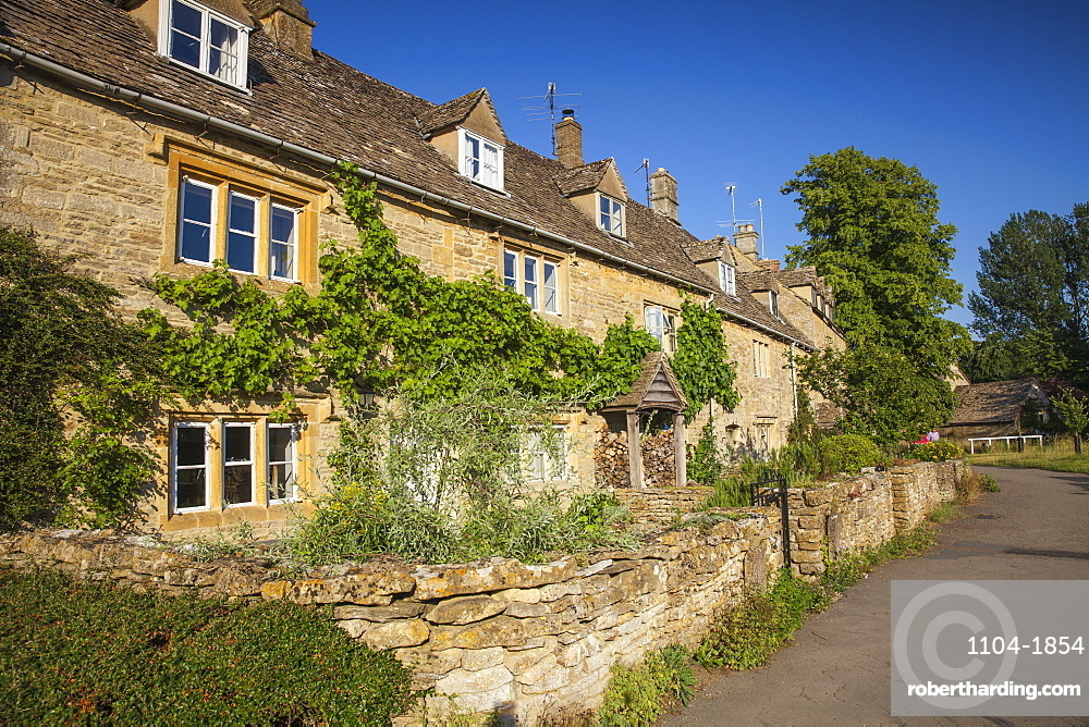 UK, England, Gloucestershire, Cotswolds, Lower Slaughter village