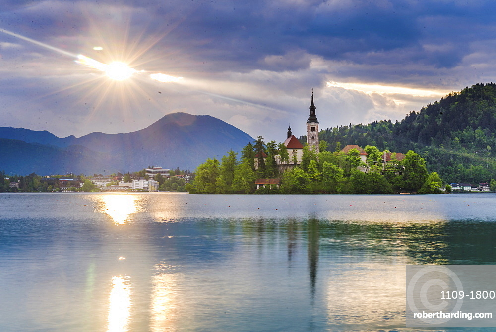 Lake Bled at sunrise with the Church on Lake Bled Island, Gorenjska Region, Slovenia, Europe