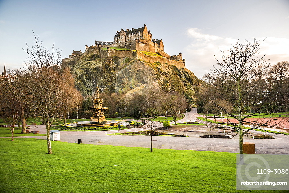 Edinburgh Castle, UNESCO World Heritage Site, seen from Princes Street Gardens at sunset, Edinburgh, Scotland, United Kingdom, Europe