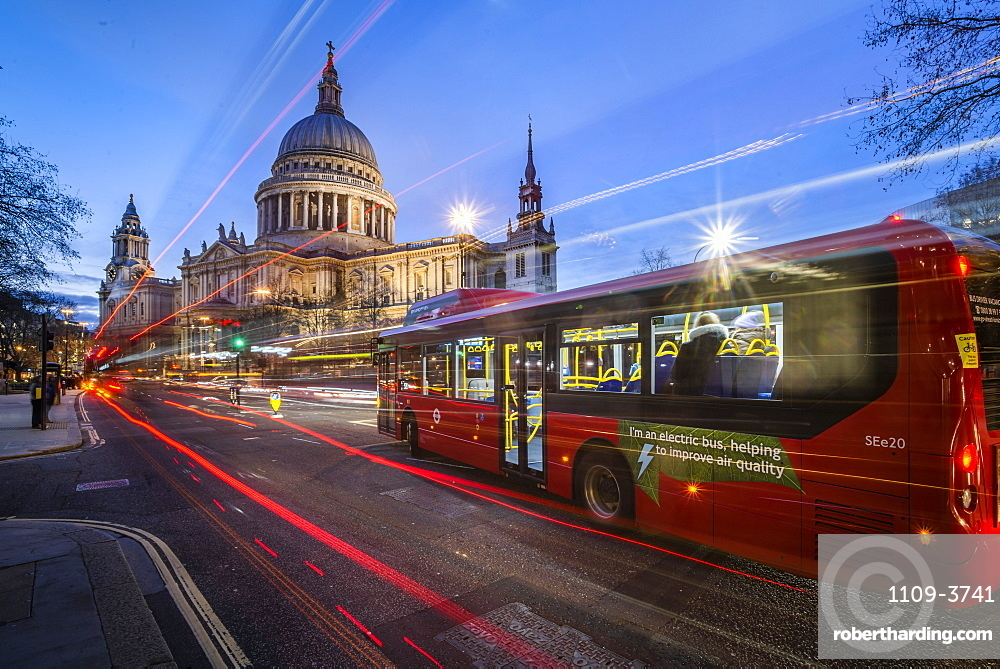St. Pauls Cathedral at night, City of London, London, England, United Kingdom, Europe