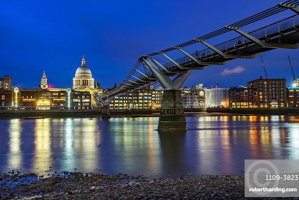 St. Pauls Cathedral and Millennium Bridge at night, City of London, London, England, United Kingdom, Europe