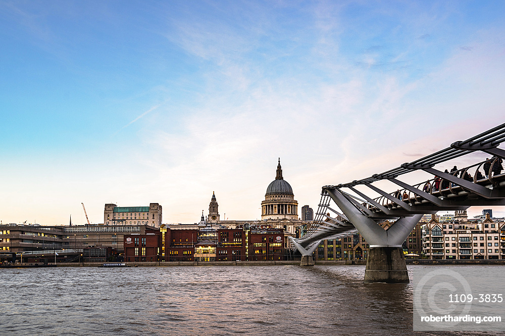 St. Pauls Cathedral at sunset, The City of London, London, England, United Kingdom, Europe