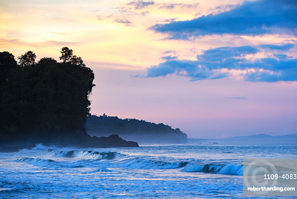 Sunrise at Playa Arco Beach, Uvita, Marino Ballena National Park, Puntarenas Province, Pacific Coast of Costa Rica, Central America