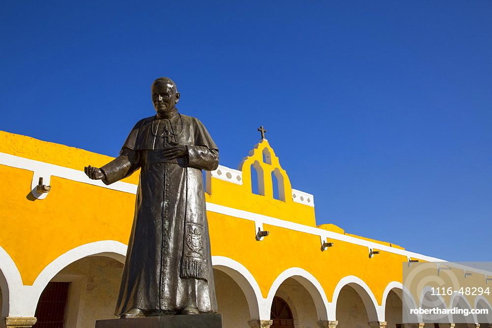 Convent of San Antonio de Padua, completed in 1561, Izamal, Yucatan, Mexico