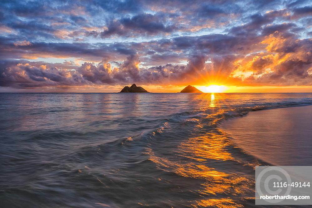 Sunrise over Lanikai Beach, Oahu, Hawaii, United States of America