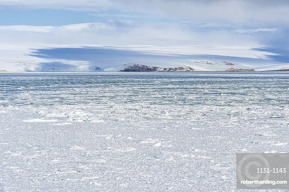 Palanderbukta, Icecap and pack ice, Gustav Adolf Land, Nordaustlandet, Svalbard archipelago, Arctic, Norway, Europe