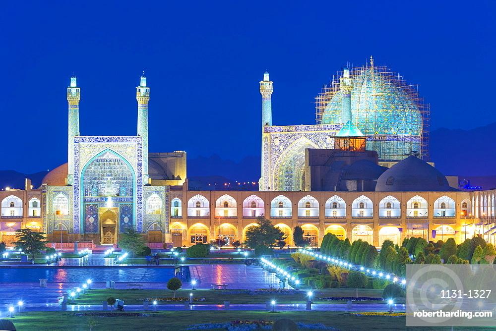 Masjed-e Imam Mosque at sunrise, Maydam-e Iman square, UNESCO World Heritage Site, Esfahan, Iran, Middle East