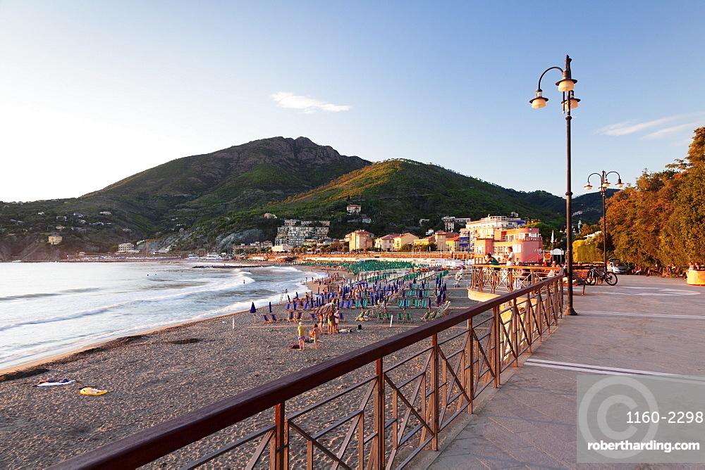 Promenade at the beach of Levanto at sunset, Riviera de Levanto, Cinque Terre, Liguria, Italy, Europe