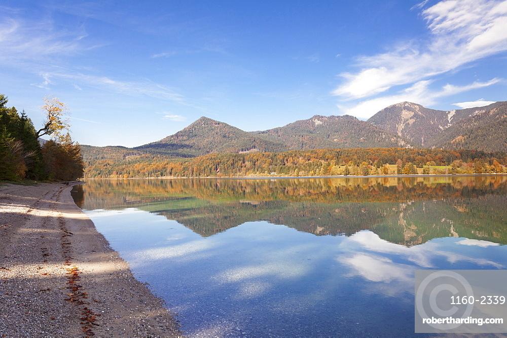 Herzogstand Mountain, Heimgarten Mountain reflecting in Walchnsee Lake in autumn, Bavarian Alps, Upper Bavaria, Bavaria, Germany, Europe