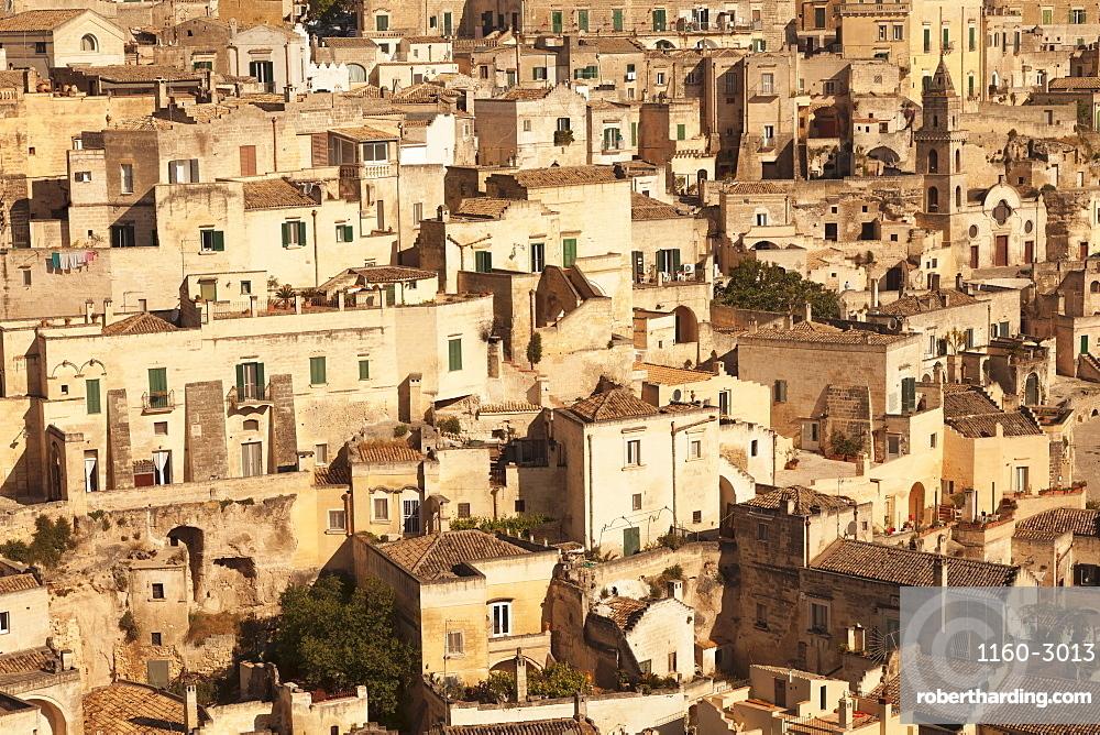 Cave dwellings, Sasso Barisano, UNESCO World Heritage Site, Matera, Basilicata, Puglia, Italy, Europe