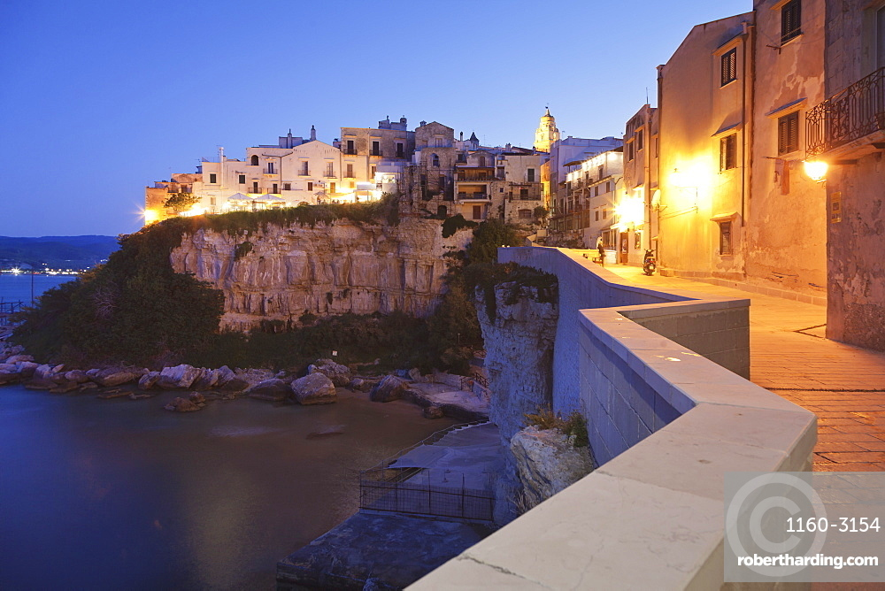 Old town with cathedral, Vieste, Gargano, Foggia Province, Puglia, Italy, Mediterranean, Europe