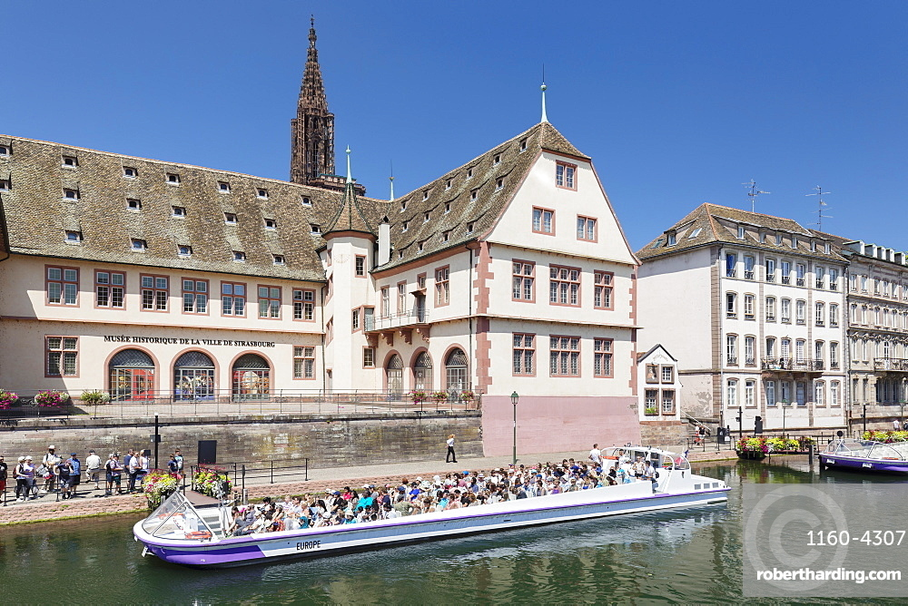 Excursion boat on River Ill, Historical Museum and Cathedral, Strasbourg, Alsace, France