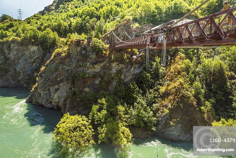 Bungee Jumping from Kawarau Bridge, Kawarau River Gorge, Queenstown, Otago, South Island, New Zealand, Pacific