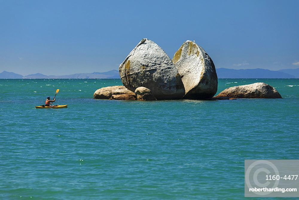 Split Apple Rock, Kaiteriteri, Tasman Bay, Tasman, South Island, New Zealand, Pacific