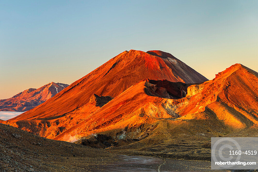 Mount Ngauruhoe and Mount Tongariro at sunrise, Tongariro National Park, UNESCO World Heritage Site, North Island, New Zealand, Pacific