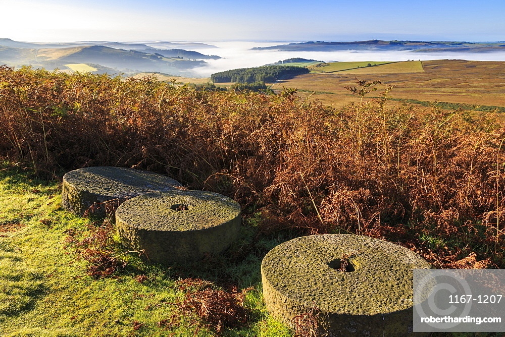 Millstones, bracken, fog of temperature inversion, Stanage Edge, early autumn, Peak District National Park, Derbyshire, England, United Kingdom, Europe